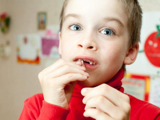 How to Pull Loose Tooth out at Home without Hurting